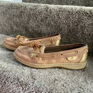 Sperry Topsider Anglefish shoe with eyelet detail.